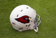 美国橄榄球联盟亚利桑那红雀队foiotball盔甲 库存图片