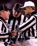 美国橄榄球联盟裁判员 免版税库存照片