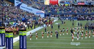 美国橄榄球联盟西雅图海鹰开始比赛 库存照片