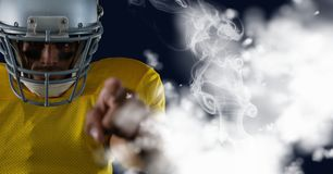 美国橄榄球运动员指向 免版税库存照片