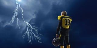美国橄榄球运动员 混合画法 库存图片