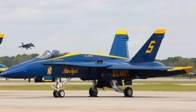 美国海军,蓝色天使FA-18超级大黄蜂 库存照片