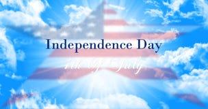 美国独立日,第4反对蓝天背景W的7月标志 库存照片