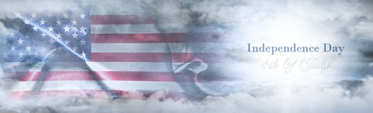 美国独立日,第4 7月 美国国旗天空 免版税图库摄影