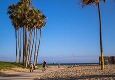 美国生活方式在洛杉矶 公园和海滩威尼斯海滩 免版税库存照片