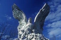 美国白头鹰,纽约, NY雕象  库存图片