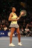 美国的全垒打冠军维纳斯・威廉姆斯行动的在法国巴黎银行摊牌第10个周年网球事件期间 免版税库存照片