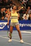 美国的全垒打冠军维纳斯・威廉姆斯行动的在法国巴黎银行摊牌第10个周年网球事件期间 免版税库存图片