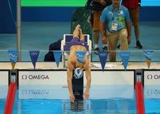 美国的奥林匹克冠军迈克尔・菲尔普斯竞争在里约2016年奥运会的人的200m个体混杂的人群 免版税库存照片