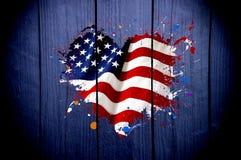 美国的旗子以心脏的形式在黑暗的背景 库存图片