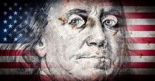 美国的本杰明・富兰克林旗子有老难看的东西纹理的和画象一百美元的特写镜头 免版税库存图片