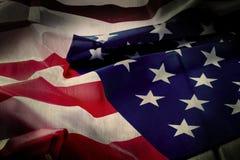 美国的老旗子 黑暗的美国国旗 库存图片