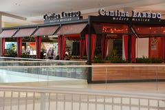 美国的购物中心的小酒吧拉雷多现代墨西哥餐馆在布鲁明屯,明尼苏达 库存图片