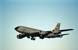 美国空军波音KC-135R进来为着陆的60-0366 免版税库存图片