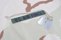 美国空军队有卡箍标记的分支磁带在沙漠伪装制服 库存图片