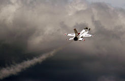 美国空军队雷鸟F-16 免版税库存照片