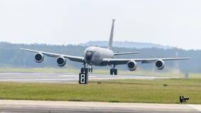 美国空军队KC-135 Stratotanker起飞 免版税库存图片