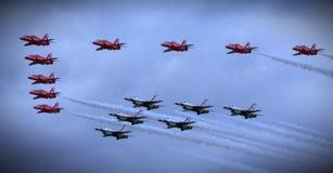 美国空军雷鸟,皇家空军红色箭头 免版税库存照片
