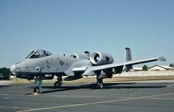 美国空军费尔柴尔德共和国A-10A准备好它的下missiom 免版税库存照片
