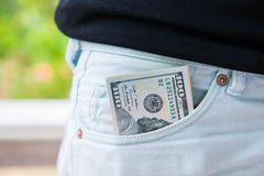美国美元在口袋的钞票 免版税库存图片