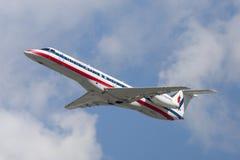 美国老鹰航空公司美国航空巴西航空工业公司ERJ-140航空器 库存图片