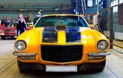 美国肌肉汽车正面图 库存照片