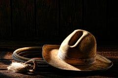美国西部圈地牛仔帽和套索套索 免版税库存图片