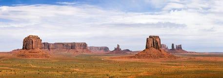 美国西部,纪念碑谷经典全景  免版税库存图片