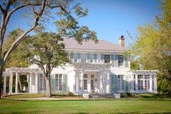 美国豪宅南部的样式 免版税库存照片