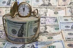 美国金钱金表背景 免版税库存图片