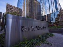 美国银行现代办公室buidlings在俄克拉何马市-俄克拉何马市-俄克拉何马- 2017年10月18日 库存图片