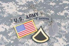 美国陆军一等兵茂盛的补丁,别动队员选项,旗子补丁,与在伪装unifo的卡箍标记 图库摄影
