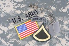 美国陆军一等兵茂盛的补丁,空中选项,旗子补丁,与在单伪装的卡箍标记 图库摄影