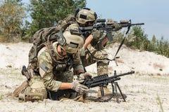 美国陆军别动队员扫射的乘员组 库存图片