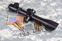 美国陆军背景有范围和权威的概念狙击手 免版税库存照片