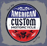 美国风俗-砍刀摩托车徽章 免版税库存图片