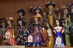 美国,亚利桑那,与头骨的30,06,2016个墨西哥小雕象在sou 免版税图库摄影