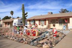 美国,亚利桑那:前院圣诞节装饰 库存照片