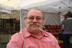 美国,亚利桑那:有壮观的髭的人 免版税库存照片