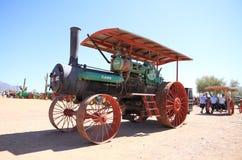美国,亚利桑那/亚帕基连接点:案件拖拉机从1915年-正面图 库存图片