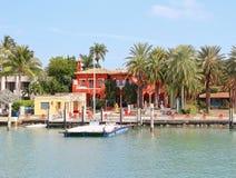 美国,佛罗里达/迈阿密:豪华江边议院 免版税库存照片