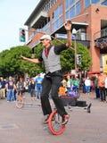 美国, AZ/Tempe -独轮脚踏车者Jamey Mossengren -街道表现 免版税库存图片