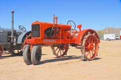 美国:古色古香的拖拉机- 1937年阿利斯查默斯 免版税库存图片
