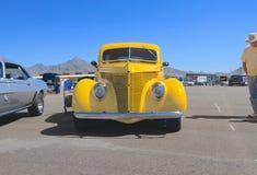 美国:古色古香的车的1938年福特/正面图 库存照片