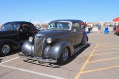 美国:古色古香的车的1937年薛佛列 免版税库存图片