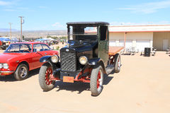 美国:罕见的古色古香的车的国际收割机1吨平板车Truck (1927) 库存照片