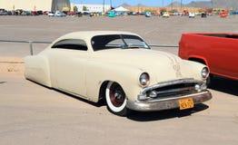 美国:经典车的1951年普利茅斯Cranbrook/风俗 库存图片