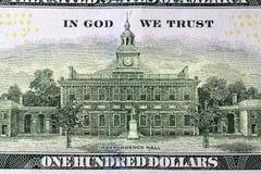 美国货币一百元钞票后侧方 免版税库存照片