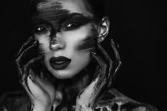 美女专业化妆师画象  免版税库存照片