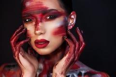 美女专业化妆师画象  库存照片